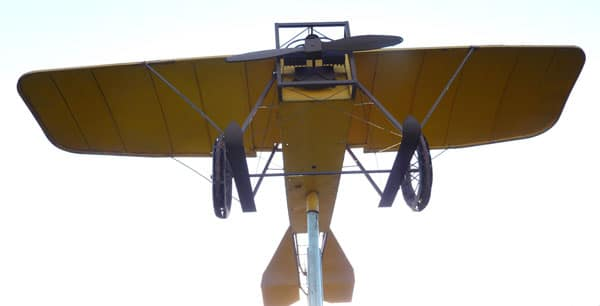 Replica de un Castaibert II de 1911 emplazado en Dellepiane y Guamini