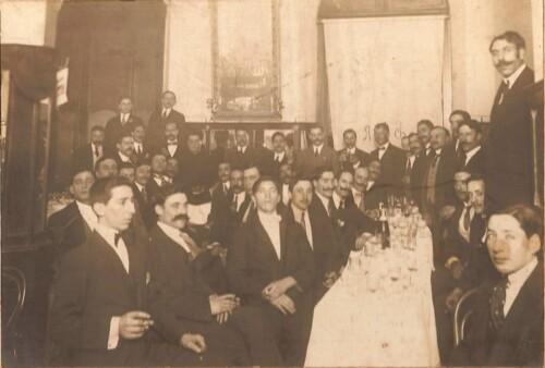 Agasajo de la Colectividad Española al aviador Manuel González, el 1º de Agosto de 1915