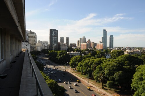 Vista desde el edificio del Automóvil Club Argentino, en Avenida del Libertador