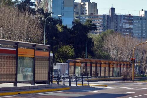 Metrobus Sur: Parada Lisandro de la Torre y Avenida Roca