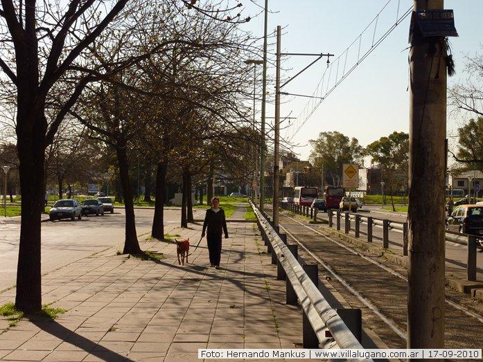 Caminata durante una tarde soleada fotos de septiembre for Juego terraza jumbo