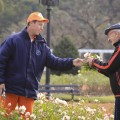 Durante la poda del Rosedal, podés llevarte algunas flores y gajos